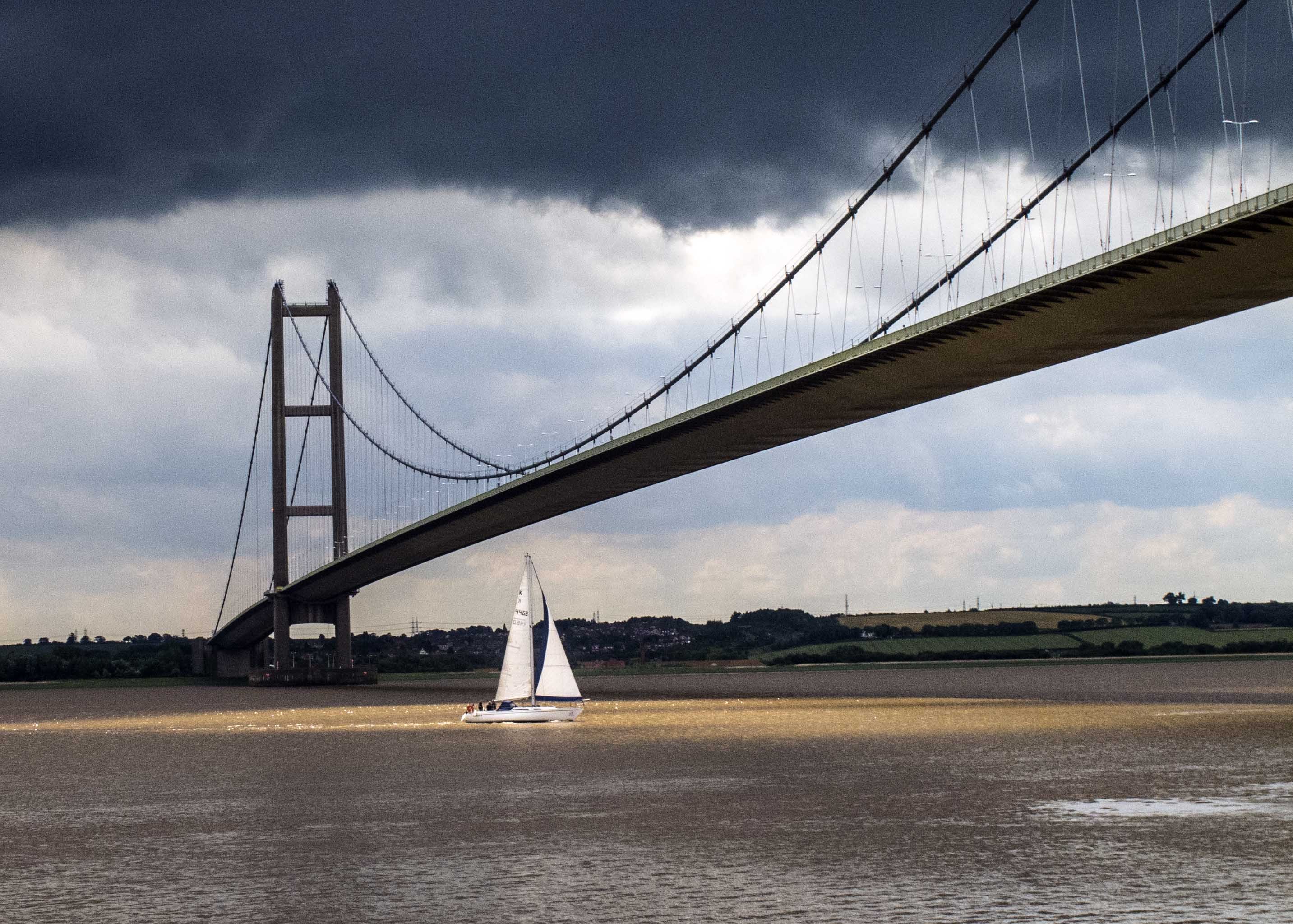 Yacht under Humber Bridge